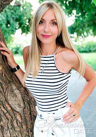 Dating, Russian single woman; gorgeous pictures: Victoriya from Odessa